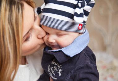 dojenček z mamo