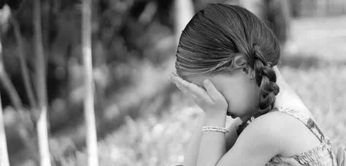 Pomoč otroku po samomoru starša
