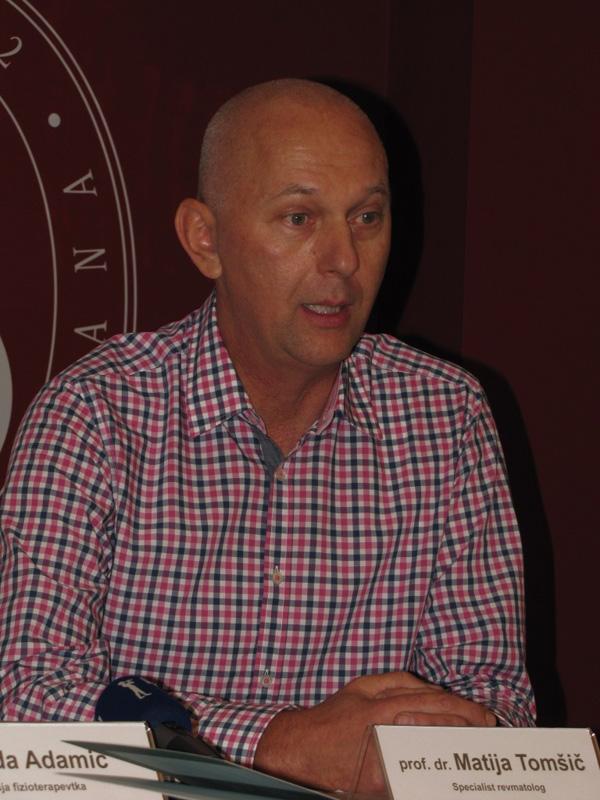 prof.dr. Matija Tom, specialist revmatolog