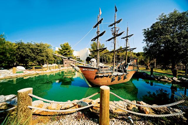 pirates-adventure-mini-golf