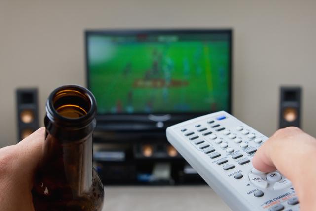 gledanje-sporta-basket-alkohol
