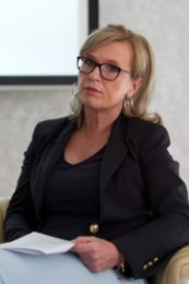 doc. dr. Anamarija Meglič