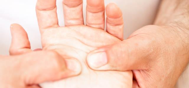 Medicinska-masaža-Ogrin-Masaža-dlani