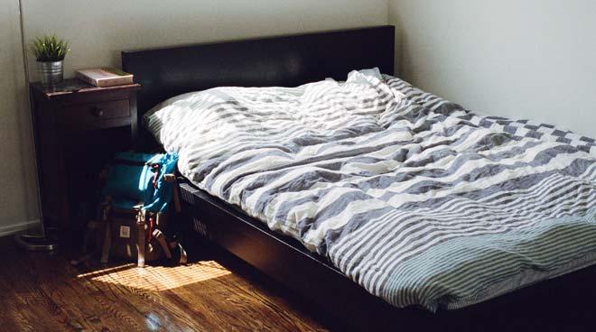 spalnica-postelja