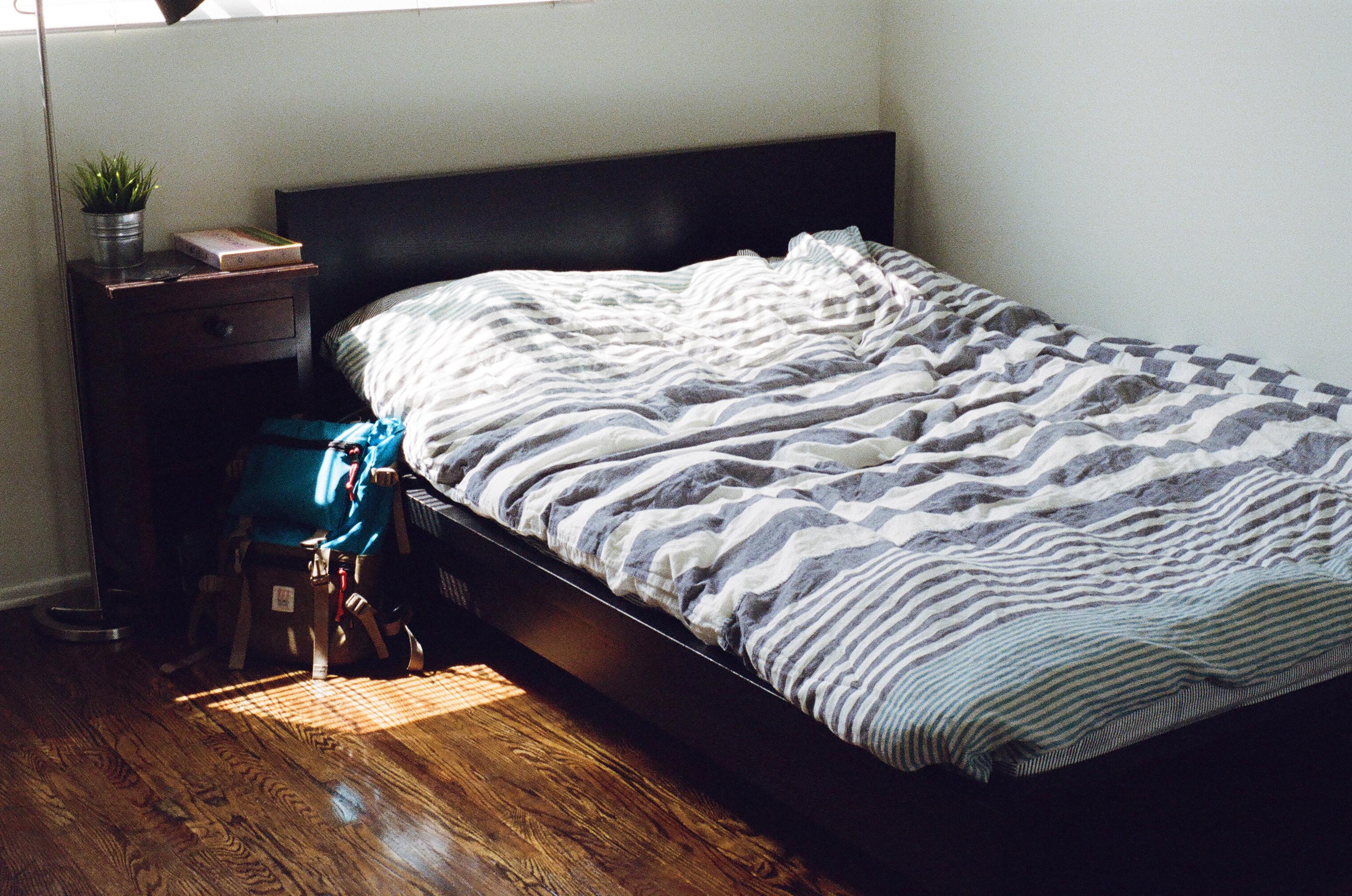 bed-bedroom-room-furniture