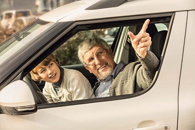 dedek-in-vnuk-voznja