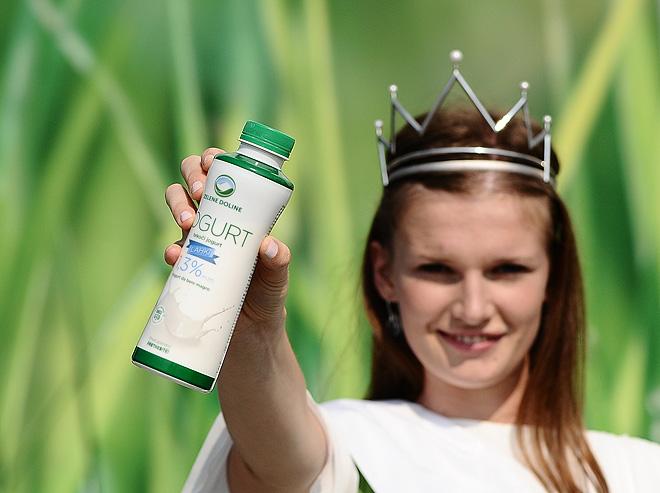 mlecna-kraljica-s-plastenko