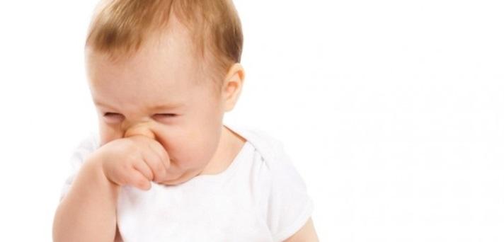 Kako pomagamo dojenčku pri zamašanem nosku?