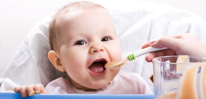 Uvajanje goste hrane v prehrano dojenčka