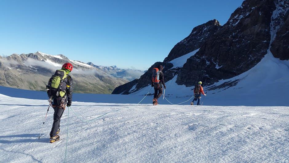 alpinist snijeg planina