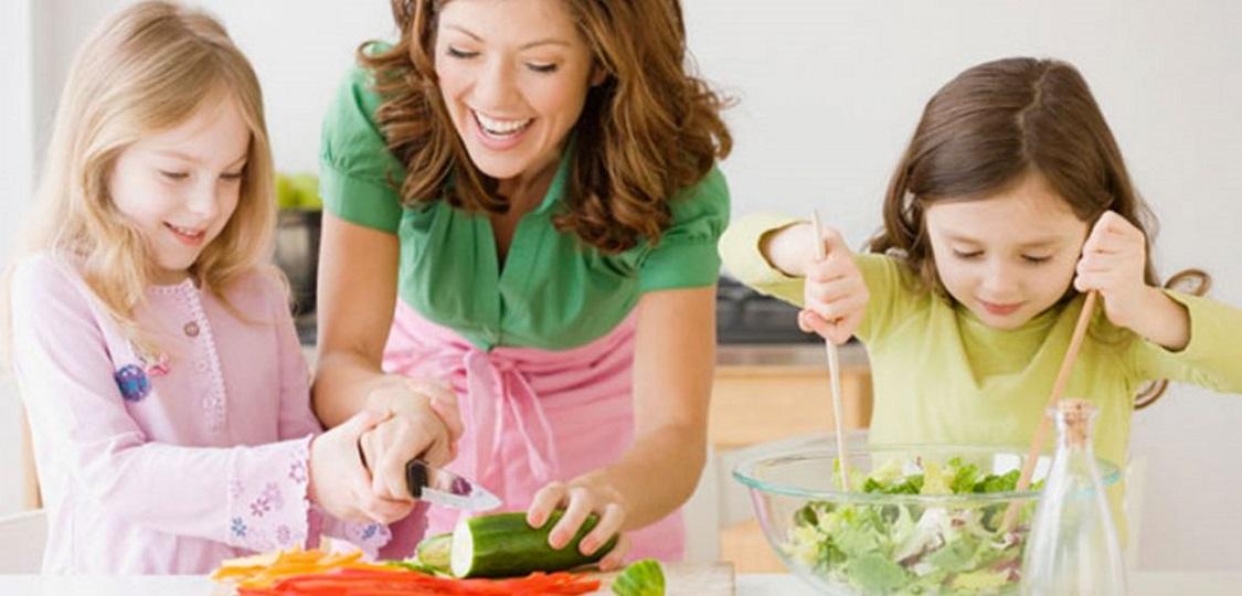 Je prava prehrana za naše otroke in mladostnike »misija nemogoče«?