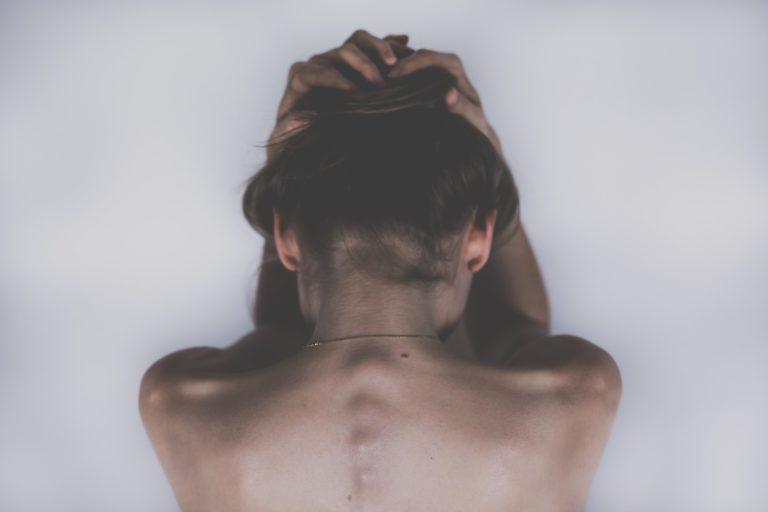 ženska hrbtenica