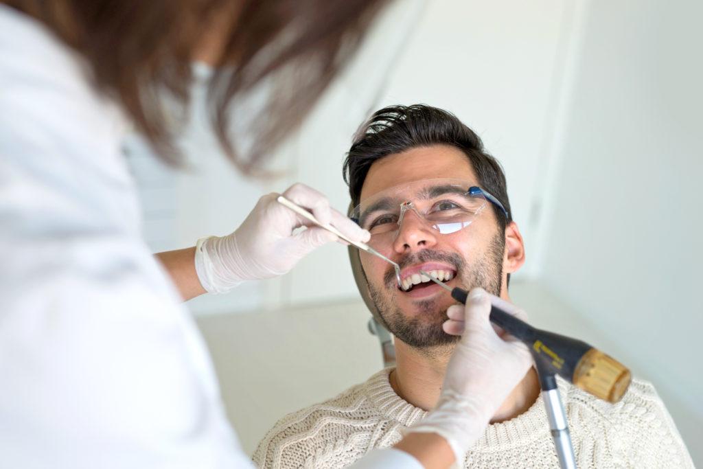 poliklinika bagatin pjeskarenje zub kamenac stomatolog