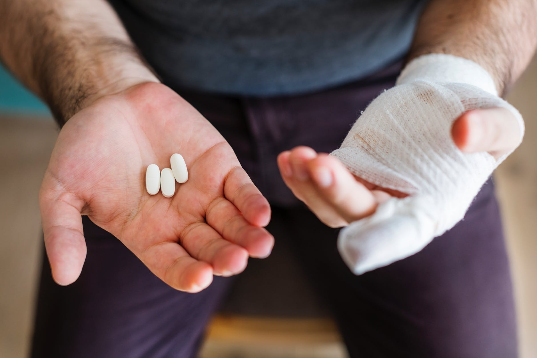 ruka prijelom imobilizacija tableta bol