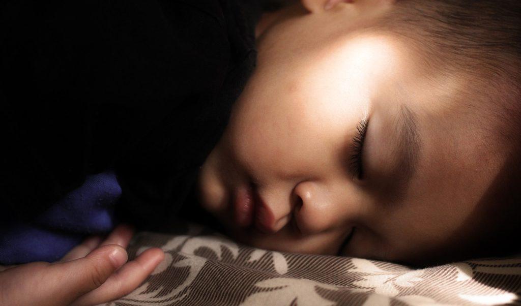 otrok spanje vrtec