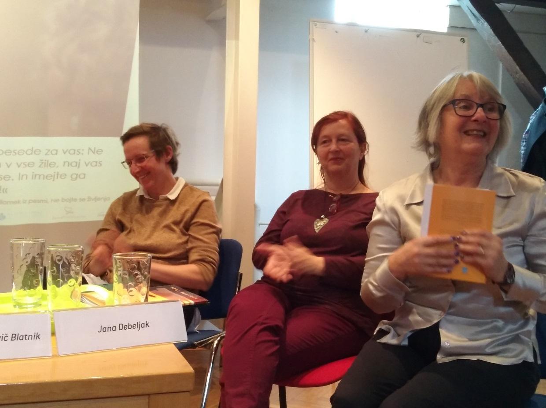 od desne: Jana Debeljak, mag. Radmila Pavlovič Blatnik, univ. dipl. psih., Anja Klančar, mag. zakonskih in družinskih študij