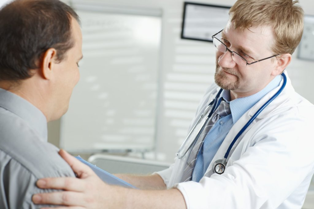 zdravnik-pacient-bolnica-zaupanje-posvet