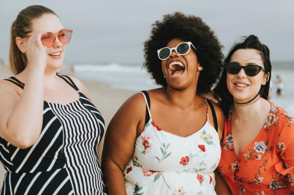 zena debljina pretilost prehrana ugljikohidrati smijeh prijateljstvo druzenje