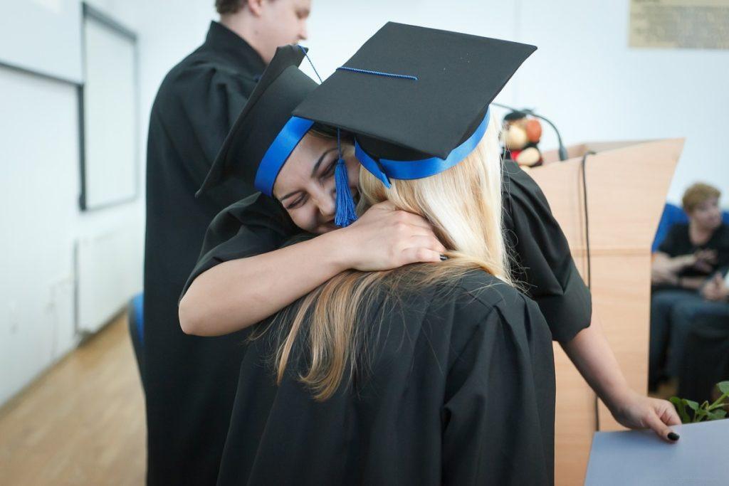 Diploma in diplomantka na DOBI