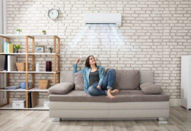 Petrol klimatske naprave ženska v stanovanju