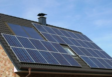 solarni-panel na strehi