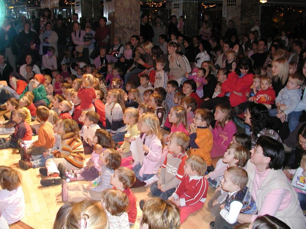 Srečanja z Dedkom Mrazom se je udeležilo 100 otrok in njihovih staršev