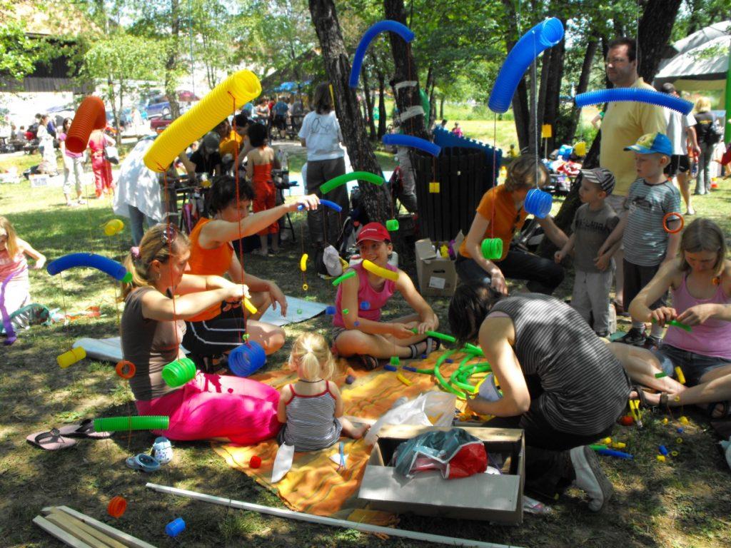 Festivala za družine Dan sonca se je udeležilo preko 1.000 obiskovalcev